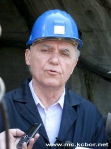"""Kombinacije U vreme kada ga je Vlada Mirka Cvetkovića 2008. postavila na čelo borskog basena, Spaskovski je pomagao ,,Farmakomu"""" na revitalizaciji rudnika """"Leće"""". Nešto kasnije """"Farmakom"""" počinje da se bavi prodajom bakra iz RTB """"Bor""""."""