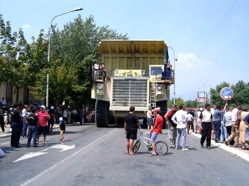 Sa jednog od ranijih radničkih protesta 2004.godine u Boru.