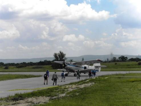 Padobranci na borskom aerodromu