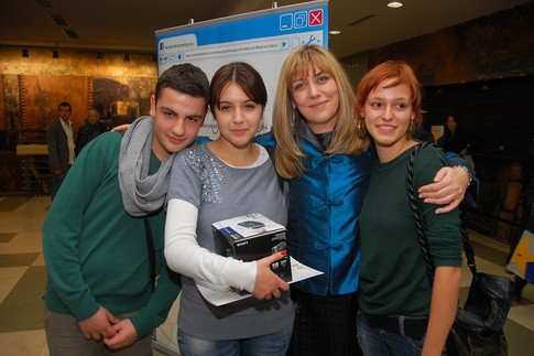 Ministarka omladine i spota i II nagradjeni