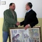 Avali uručena slika lokalnog akademskog vajara Janka Lazića