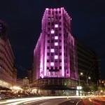 Palata Albanije - osvetljena u roze