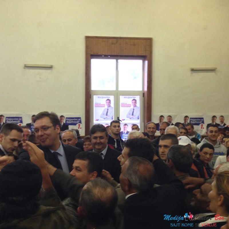 VUČIĆ: Država će i dalje pomagati Bor i Majdanpek
