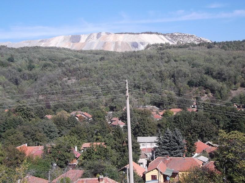 Jalovište Rudnika Krivelj 400m iznad naselja