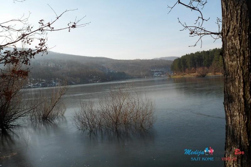 FOTO: Prepuno Borsko jezero